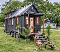 this is the riverside tiny house its built by new frontier tiny homes in nashville amaazing riverside home office