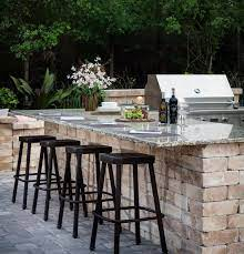 Find Out What S Cooking In The Latest Outdoor Kitchen Design Trends Outdoor Kitchen Design Layout Outdoor Kitchen Design Backyard Kitchen