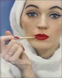 the 1950s makeup look