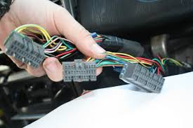need ej20 1999 nonturbo ecu wiring diagram engine electrics uk this is the engine wiring i have in the car now and it contains 3plugs 30 jae a green 28 jae b orange 35 jae a blue pictures of them