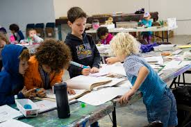 the renee foosaner education center is the home of the foosaner art museum s program of art classes and works located at 1520 highland avenue