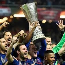 كرة القدم: مانشستر يونايتد يتغلب على أياكس أمستردام ويحرز لقب
