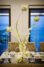Contemporary centerpiece with crystals. Photography By /  http://studioimpressions.com.