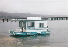 Small Picture Aqua Casa Houseboat