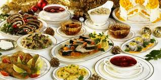 Although this meal is reserved for the closest family, it is customary to set an extra plate and seat for an unexpected guest or even a vagrant. Traditional 12 Dishes Eaten By Poles Every Christmas There Are Pierogies And Red Borscht There Holiday Recipes Polish Recipes Food