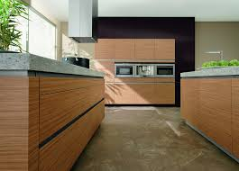Küche modern Holz grifflos