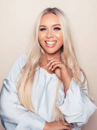 sharleen collins raw approach to makeup has earned her a retion as irelands most influential industry figure working as a makeup artist since the age of