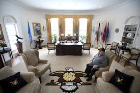 west wing oval office. Oval Office. Glynn Crooks Created The Bald Eagle And Peace Pipe Design In Rug Decorating West Wing Office O