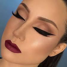 you should apply dark concealer on the sides and a lighter shade on the area from the bridge of the makeup to make the tip of your nose smaller