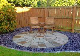 garden patio. patios paving, circular-patio,patio, sandstone, slate,cobbled edging, garden patio u