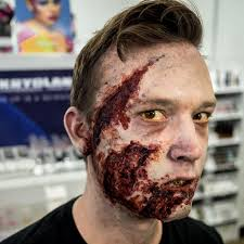 This video shows you how to create a simple, beginner zombie makeup, based on the fear the walking dead zombie girl. Walking Dead Zombie Makeup Page 1 Line 17qq Com