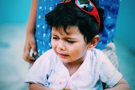 7 biggest parenting mistakes that destroy kids' confidence