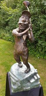 golfer bronze caricature statue