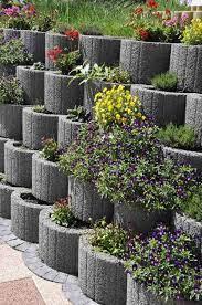 retaining wall concrete planter