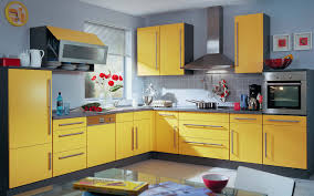 Full Size of Tiles Backsplash Nice Yellow Kitchen Walls With Amazing Color  Combination Stained Wood Cabinet ...