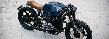 the cafe racer appeal arrives with the use of low set clip on handlebars and a minimalistic design of the sdometer that es from t t only takes it