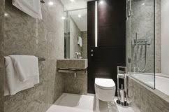 Bagno Legno Marmo : Bagno di marmo e legno fotografia stock immagine