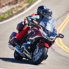 Honda goldwing 2021 overview in 2020 goldwing honda best scooter. 2021 Honda Gold Wing Tour Dct First Ride Review Laptrinhx