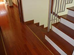 sàn gỗ căm xe thuộc dòng sàn gỗ tự nhiên giá rẻ