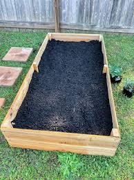 inexpensive diy raised garden beds