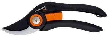 <b>Секатор</b> FISKARS <b>Solid</b> P32 — купить по выгодной цене на ...