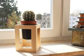 small diy plant stand from photo frames
