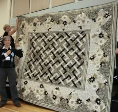Intricate Knots Make a Stunning Quilt - Quilting Digest & Le Jardin Quilt. The pattern ... Adamdwight.com