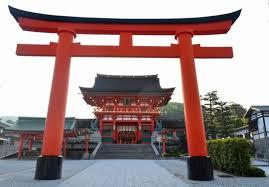伏見稲荷大社の朱い鳥居が何十にも連なる神秘的な参道を見に行こう | tabiyori どんな時も旅日和に