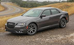 Chrysler 300 Reviews | Chrysler 300 Price, Photos, and Specs | Car ...