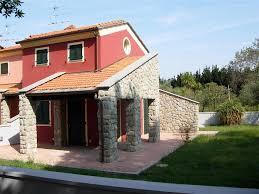 Vendita casa semi indipendente sarzana. trova case semi