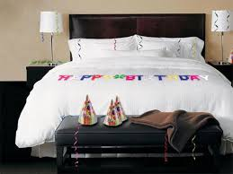 birthday hotel room decoration service