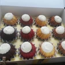 nothing bundt cakes 112 photos 122 reviews bakeries 5975 roswell rd sandy springs ga phone number yelp