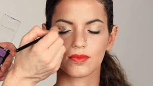 eye makeup with red lipstick what color eye shadow to wear with big red lips you