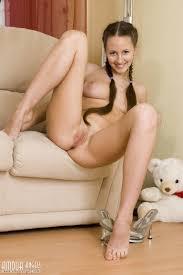 Hot Brunette Lesbian Loves Posing Lesbian Porn Videos