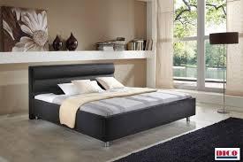 Schlafzimmer Schrank Komplett Kleines Polsterbett Teppich