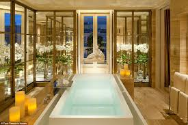 the world39s most luxurious hotel bathrooms revealed daily mail hotels with big bathtubs