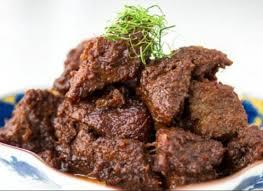 Cenil adalah salah satu jajanan tradisional dari indonesia yang menggunakan tepung kanji sebagai bahan dasar pembuatannya. 15 Makanan Khas Indonesia Beserta Asalnya Yang Ternikmat