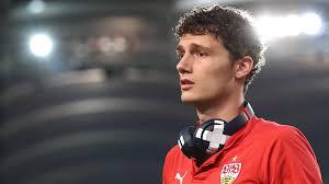 Benjamin Pavard glaubt an Chance bei Bayern: