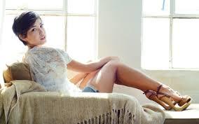 women, legs, Felicia Porter, Fo Porter, high heels, jean shorts, white  clothing | 2560x1600 Wallpaper - wallhaven.cc