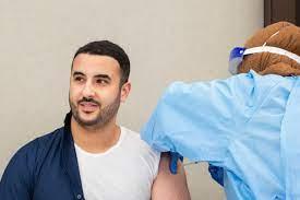 الأمير خالد بن سلمان نائب وزير الدفاع السعودى يتلقى جرعة لقاح كورونا -  اليوم السابع