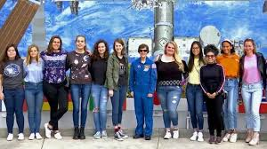 Former NASA Astronaut Wendy Lawrence Helping Inspire Next Generation of  Women in Space | News Break