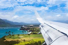 a plane flies into lihue airport kauai
