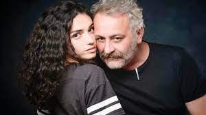 Hazar Ergüçlü'nün yönetmen sevgilisi Onur Ünlü kurduğu siteyle hayatını  satıyor