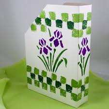 Purple Magazine Holder How to Make Magazine Holders Friday Fun Craft Projects Aunt 46