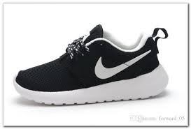 nike running shoes for girls black and white. nike shoes for girls black and white running e