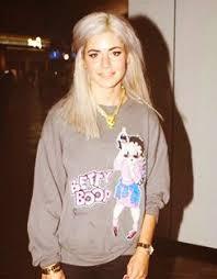Marina in a Betty Boop shirt   Marina and the diamonds, Lana and ...