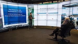 New U of I President Killeen visits UIC Electronic ...