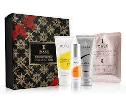 kérastase limited edition gift sets give the gift of professional hair care with these luxurious gift sets available in a variety of collections for
