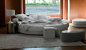 Beautiful Round Bed Ideas That Will Spruce Up Your Bedroom : Elegant Round  Bed With White
