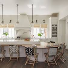 Beach Style Eat In Kitchen Ideas   Example Of A Coastal L Shaped Dark